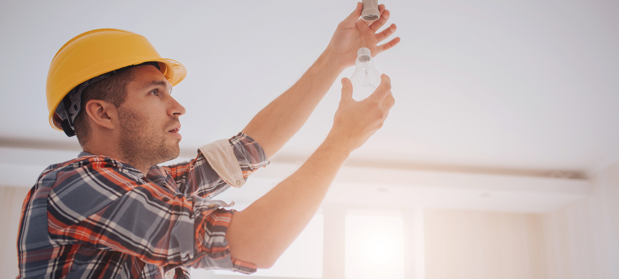 contractor installs energy efficient lightbulb to claim section 179d deduction