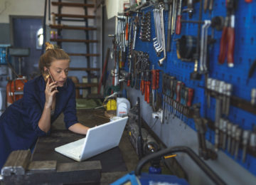Mechanic in shop applying for paycheck protection loan